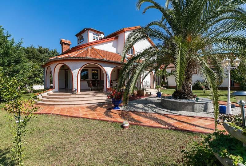 Villa Vallis Aurea with Pool
